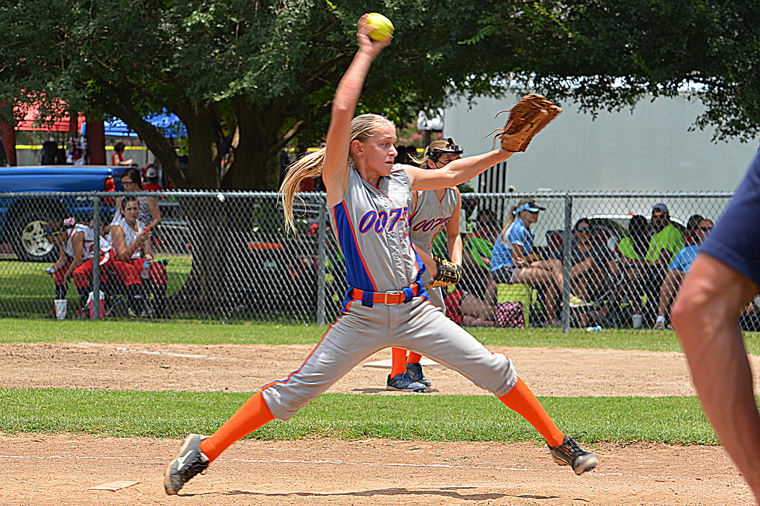 Why Fastpitch Pitching Leaves So Many In Awe... - Amanda Scarborough